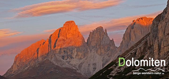 Sonnenaufgang bei unserer Alpendurchquerung durch die Dolomiten.