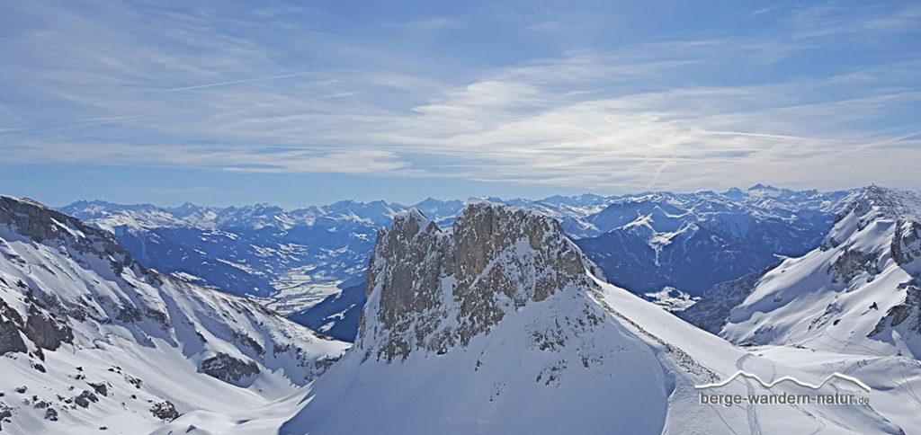Pergpanorama im Rofangebirge Richtung Zillertal