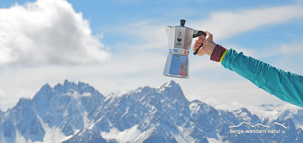 Kaffeepause mit Panoramablick in den Sextener Dolomiten