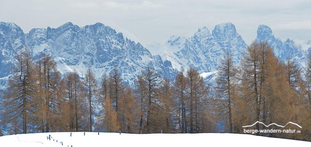 Panoramablick auf die Sextener Dolomiten