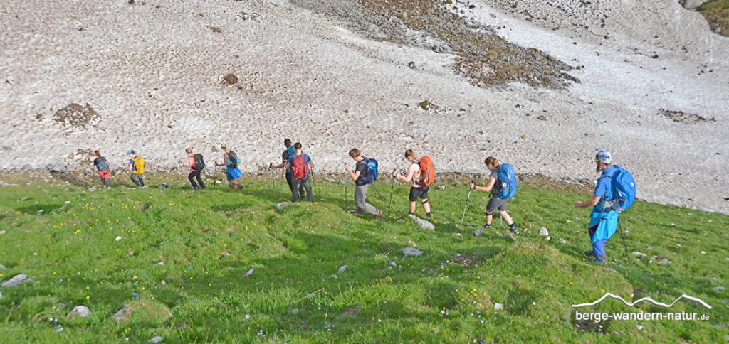 Wandergruppe in den Rofanbergen